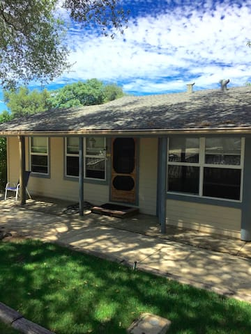 Old Town Folsom Duplex (Unit B)