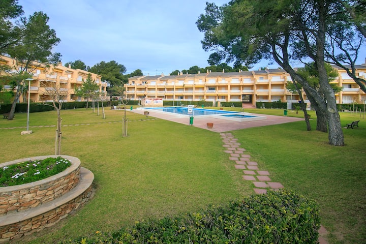 Peaceful apartment in the seafront of Miami Platja