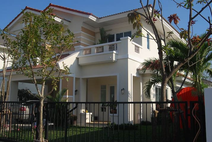 European Style House Full Furnished - Bang Khun Kong - Dom