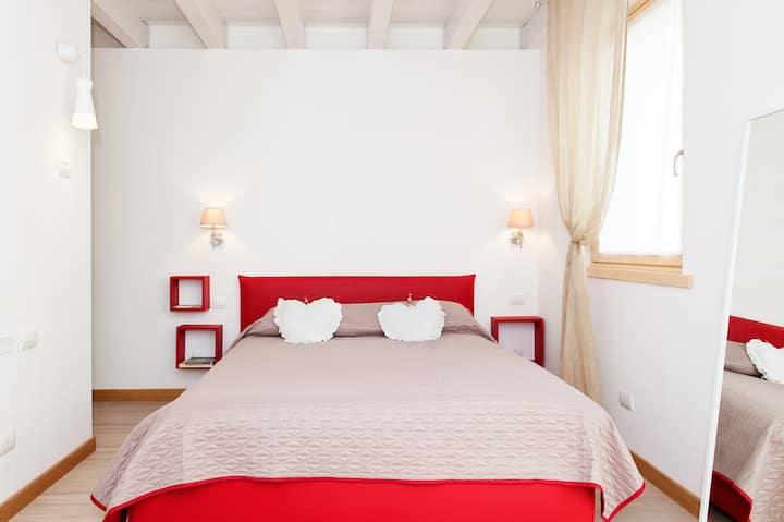 Red room B&B all'interno di un residence dell'800
