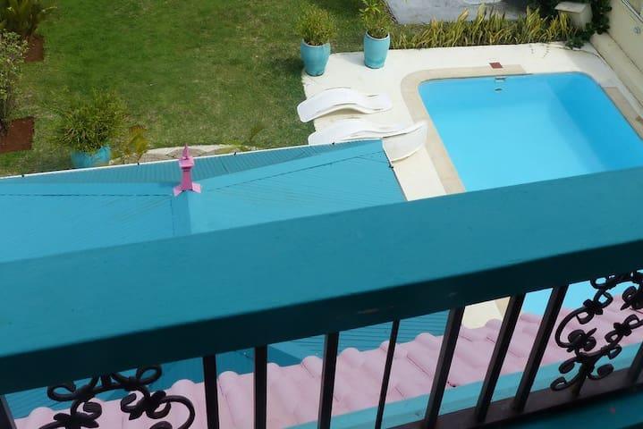 F2 Appt 2 chambres vue sur Blue Bay - Mahebourg - บ้าน