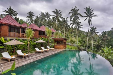 Balancing Villa offering stunning View - Βίλα