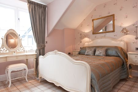 Bowness Bay Suites (Cat Bells Suite) - Bowness-on-Windermere