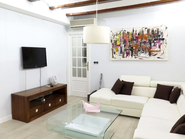 Luxury Apartment in Old City Center (Cathedral)
