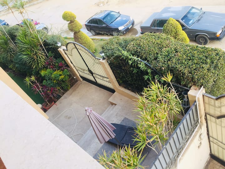 "Luxurious apartment in New Cairo""First sett."