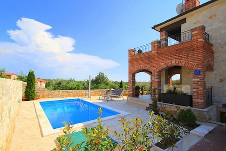 Charming villa near Poreč, Croatia - Vabriga - House