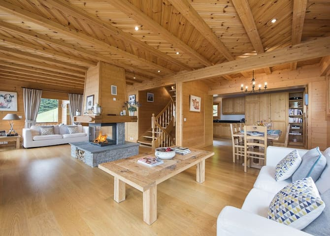 Luxury Swiss Chalet 50m from Piste