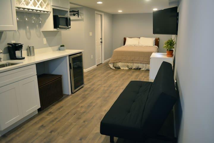 NEW NE DC Studio | Private & Metro-Walkable