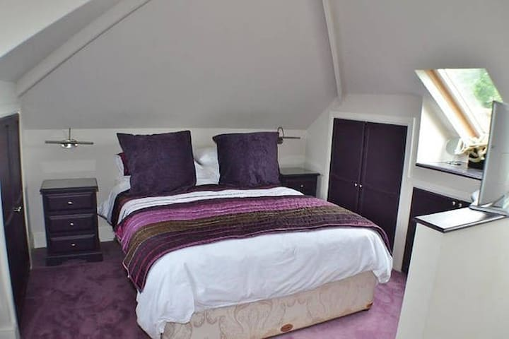 Cosy Private En Suite Bedroom - Allostock - Bungalow