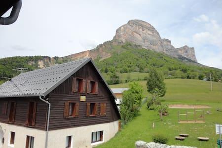 Studio à la montagne - Saint-Pancrasse