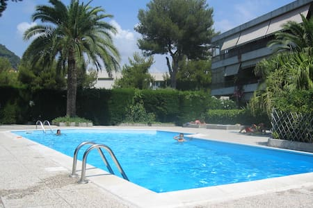Appartamento - mare e piscina - Vallecrosia