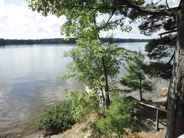 Lakeside Muskoka cottage- Bala - Muskoka Lakes - Srub