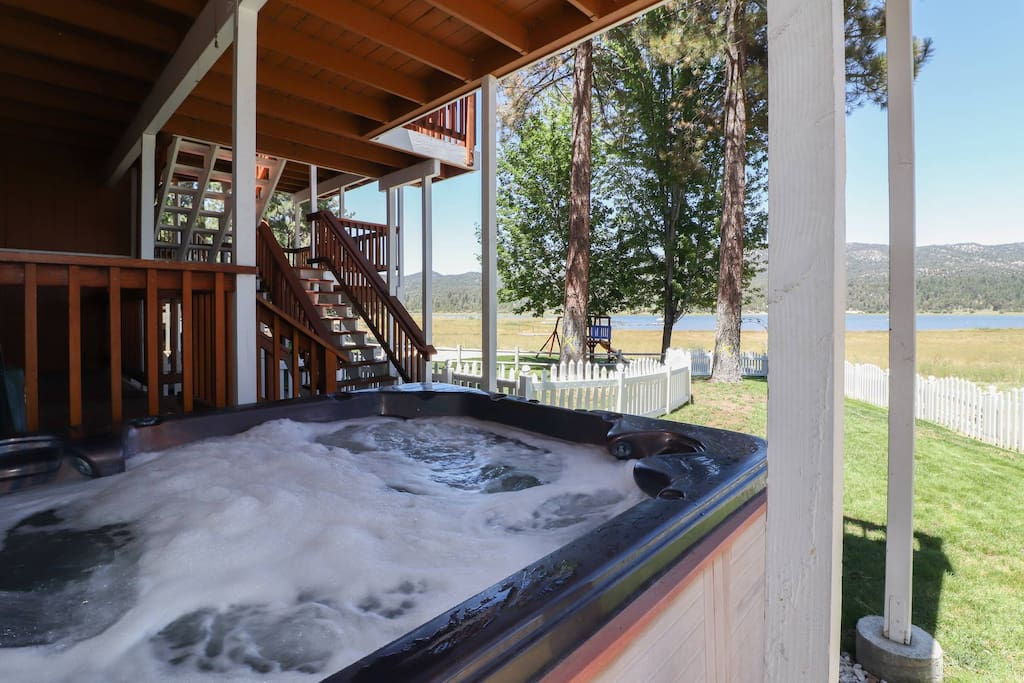 Lakefront Manor Pool Table Spa Cabins For Rent In Big Bear Lake California United States