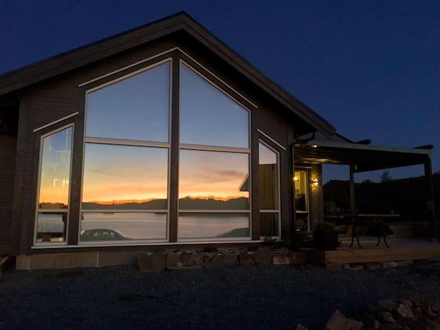 Ny hytte med fantastisk beliggenhet i Austefjorden - Sund