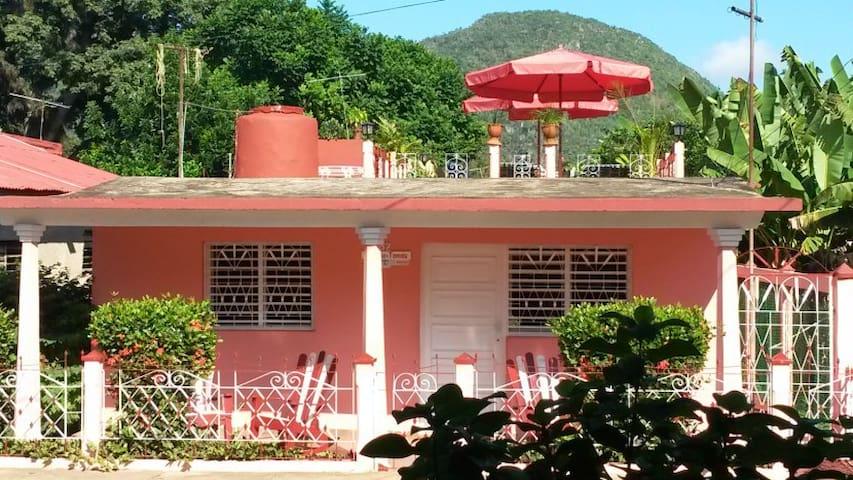Casa Yolanda y Tomas