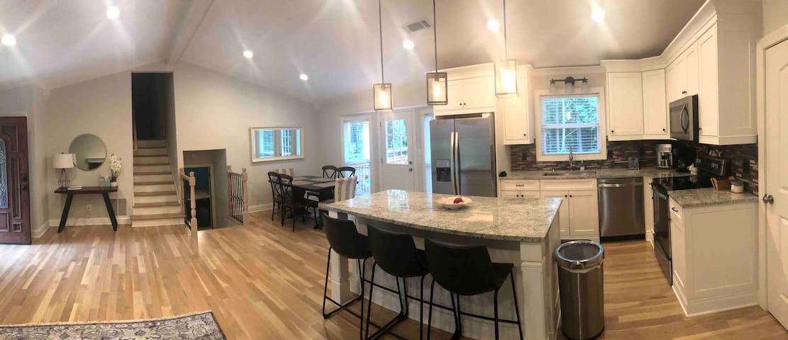 Newly remodeled Home in Lawrenceville
