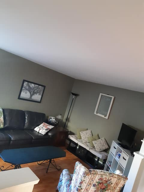 2 bdrm apt. on quiet cul-de-sac in Halifax