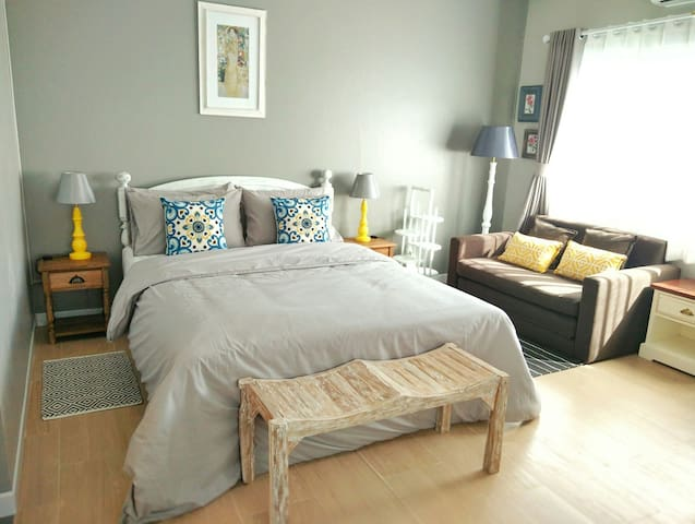 Charming cozy studio near Nimman and CMU