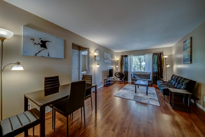 *MAIN STREET*⚡️ Luxury 2 Bed Downtown Royal Oak