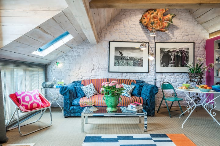 Stunning studio conversion in tranquil setting