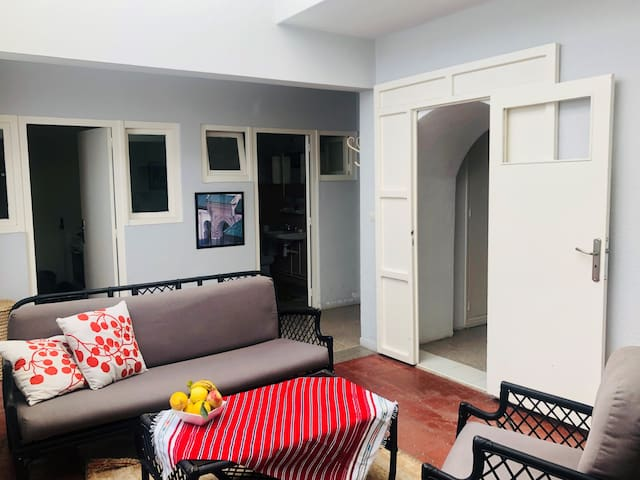 Big, very central appartment with 2 bedrooms@wifi