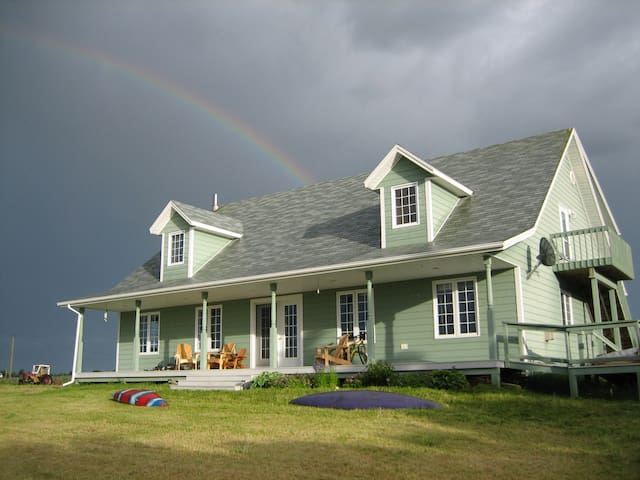 Summer House on Winter Bay
