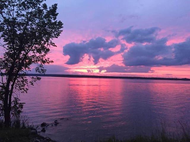 Pigeon Lake Paradise
