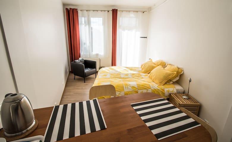 Studio 30 m2 en pleine nature proche Versailles. - Bièvres - Apartmen