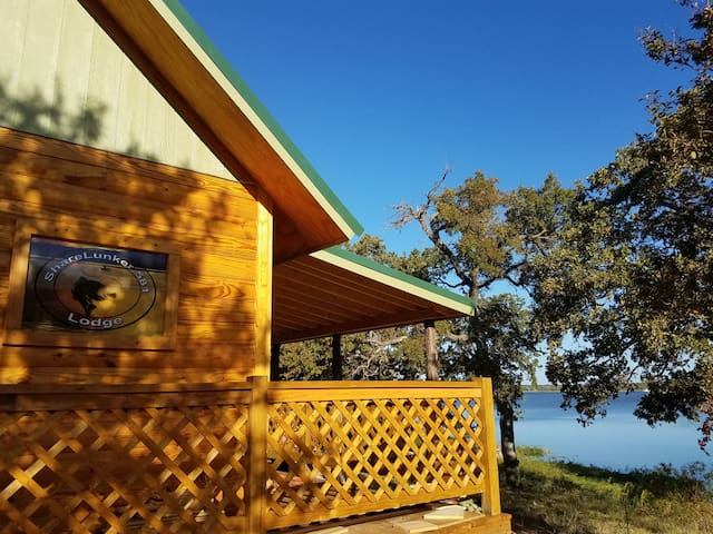 Lunker Lodge at Lake Leon