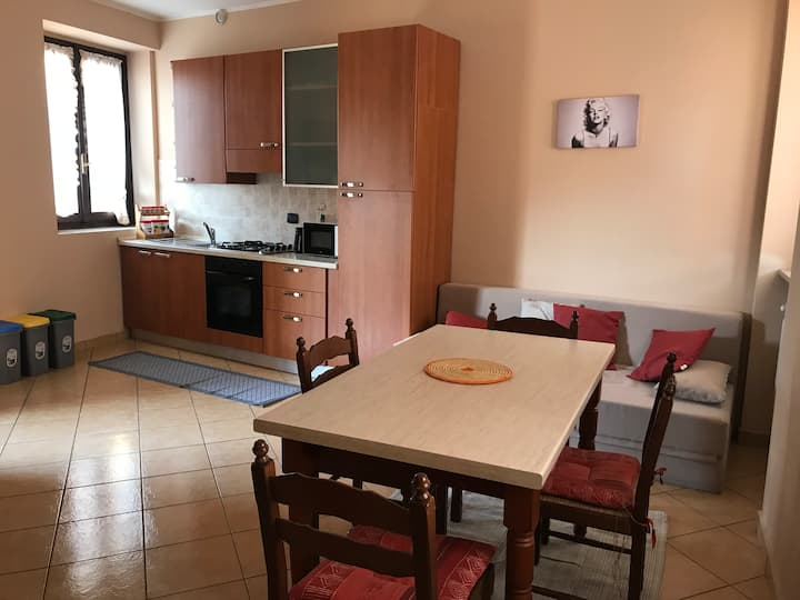 Bright apartment in the center of Samarate