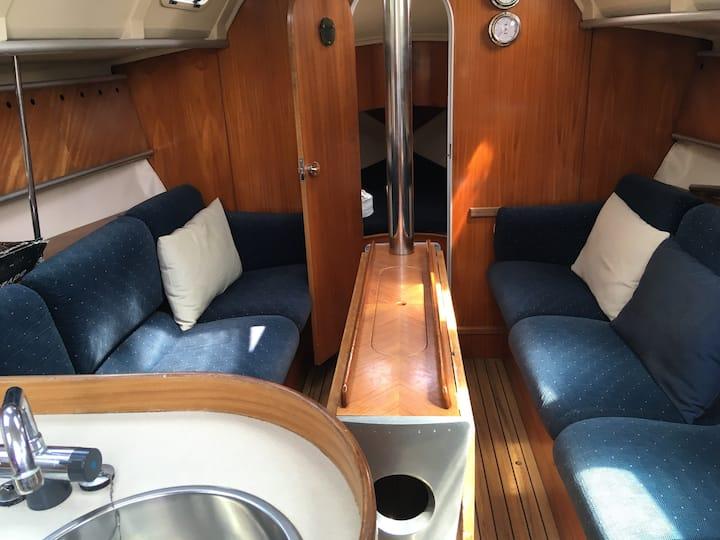 Nuitée insolite ou romantique en voilier 3 cabines