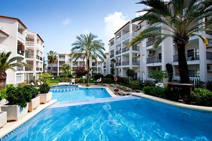 Vacaciones en Denia con piscina, gimnasio y Spa