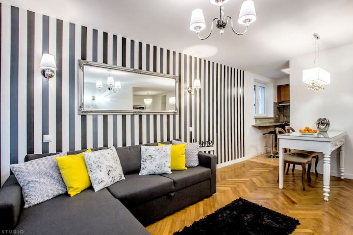 """""""Old Town Central Apartment"""" ClickTheFlat"""