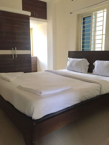 Warm and cosy stay in Gachibowli - Hyderabad - Leilighet