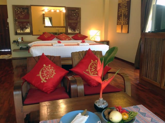 Awesome Junior Suite with Jacuzzi - Chang Phueak - Apartment