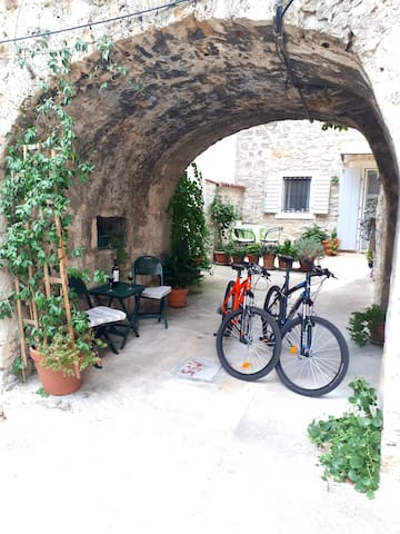 Old stonehouse near Diocletian palace.
