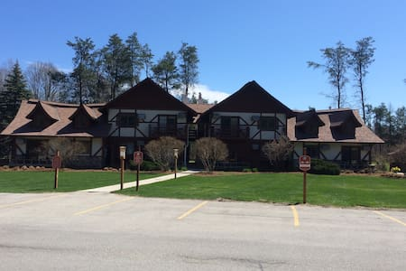 Main Level Condo, Close to Crystal Mtn Amenities - Thompsonville - Condominium