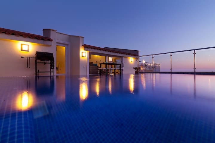 Elif Beautiful Private Roof Pool Stunning Views - Kalkan Belediyesi - Apartamento