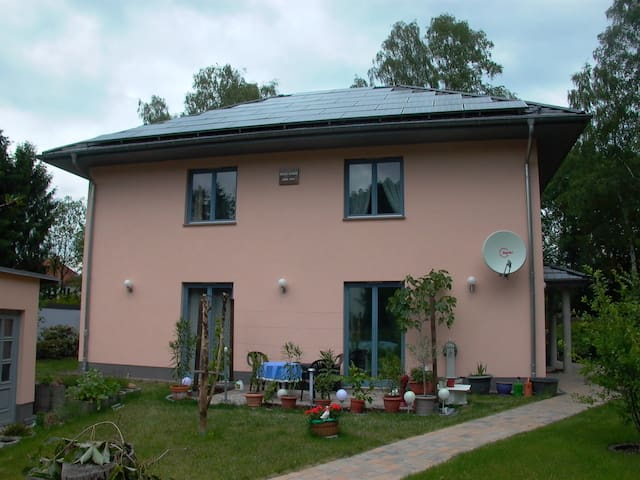 Gäste-Wohnung  ALEXA  Schönblick - Woltersdorf - Talo