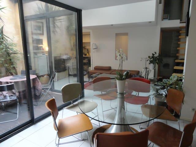 T3 patio arboré Hyper Centre