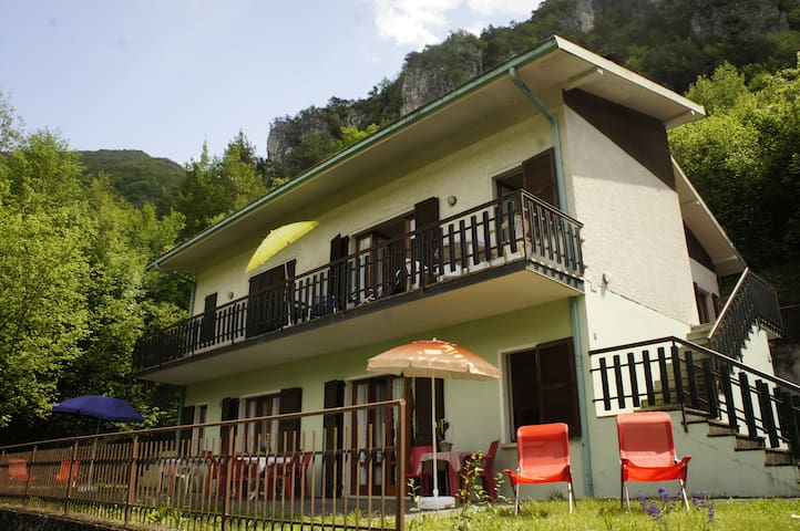 Casa Claudia - Lake Idro - Ideal for groups - Vesta - Hus
