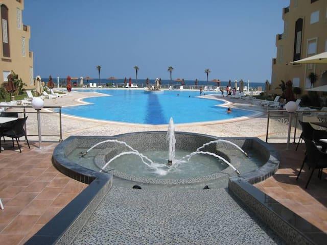 Apart sea front private beach FOLLA