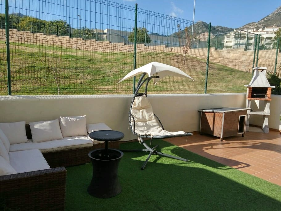 New flat terrace and outdoor barbacue wifi tv for Sofa exterior aki