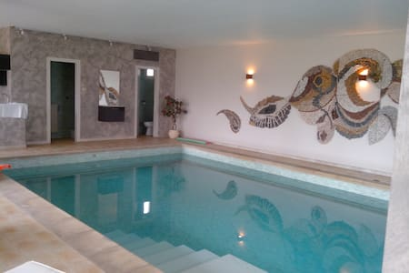BREDEL HOUSE-3rooms-6pers-pool-wifi - Geudertheim - アパート