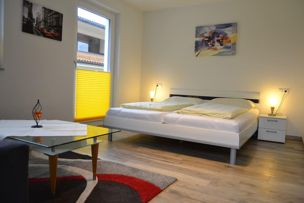 moderne ferienwohnung in liftn he wohnungen zur miete in. Black Bedroom Furniture Sets. Home Design Ideas
