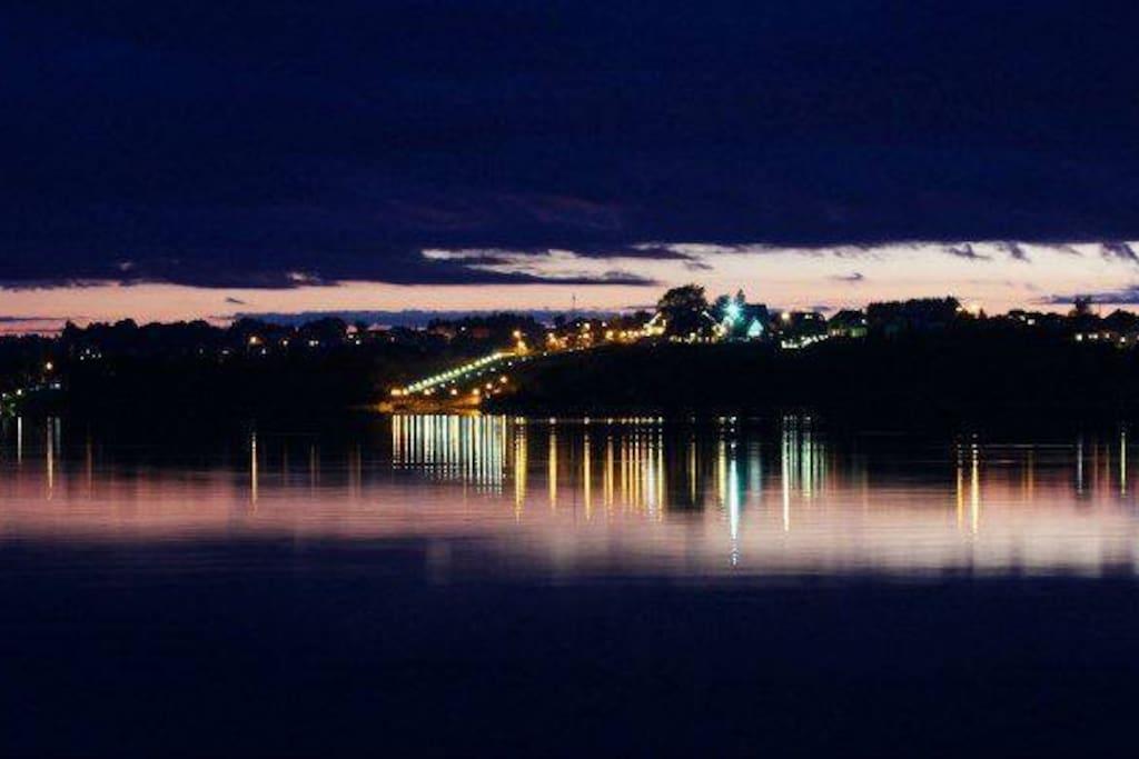 Lake night view