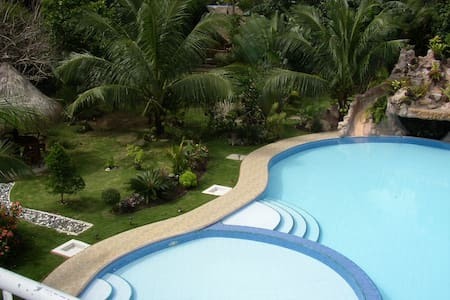 Guesthouse (2 beds) with large pool - Dumaguete City - Dům