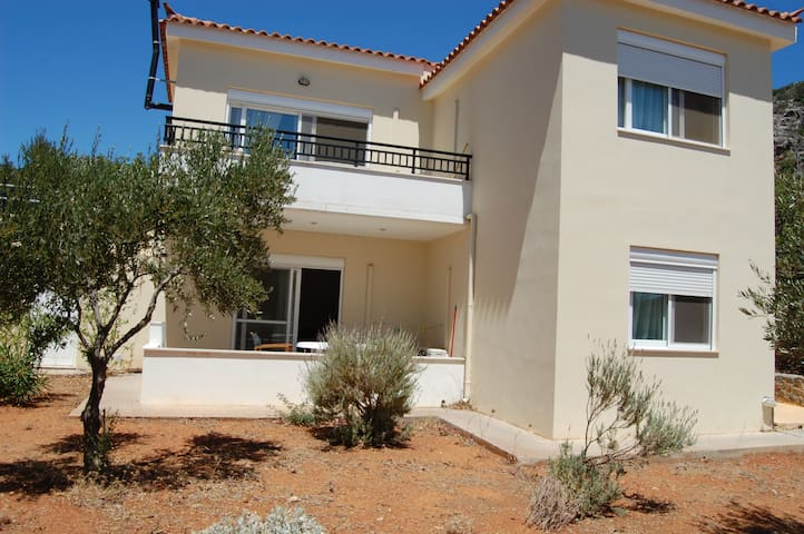 2BR Apartment groundfloor close to Monnemvasia - Lacònia - Pis