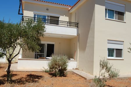 2BR Apartment groundfloor close to Monnemvasia - Laconia