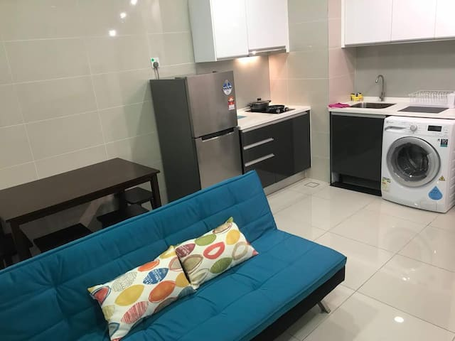 KL Gateway Affordable Studio 2 pax near mid valley